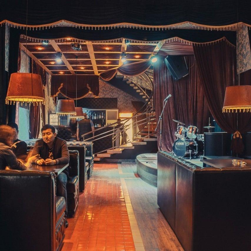 Пивной ресторан паб Karlovy Pivovary  традиционная