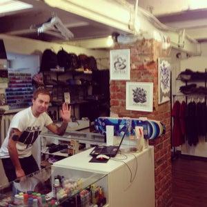 Shift store
