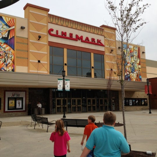 Movie theaters in robinson township