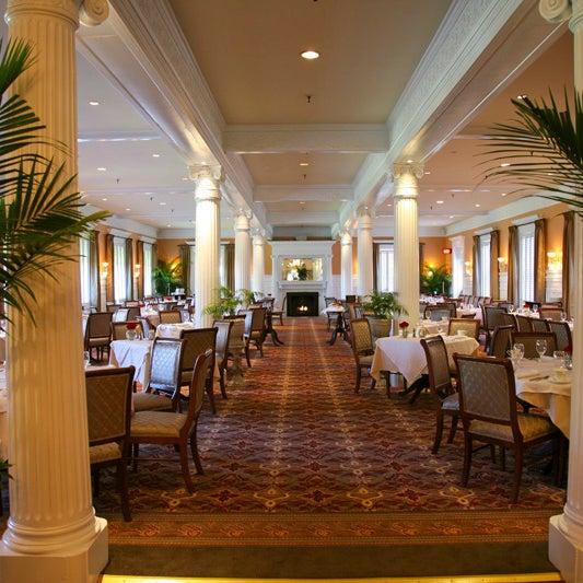 Grand hotel dining room