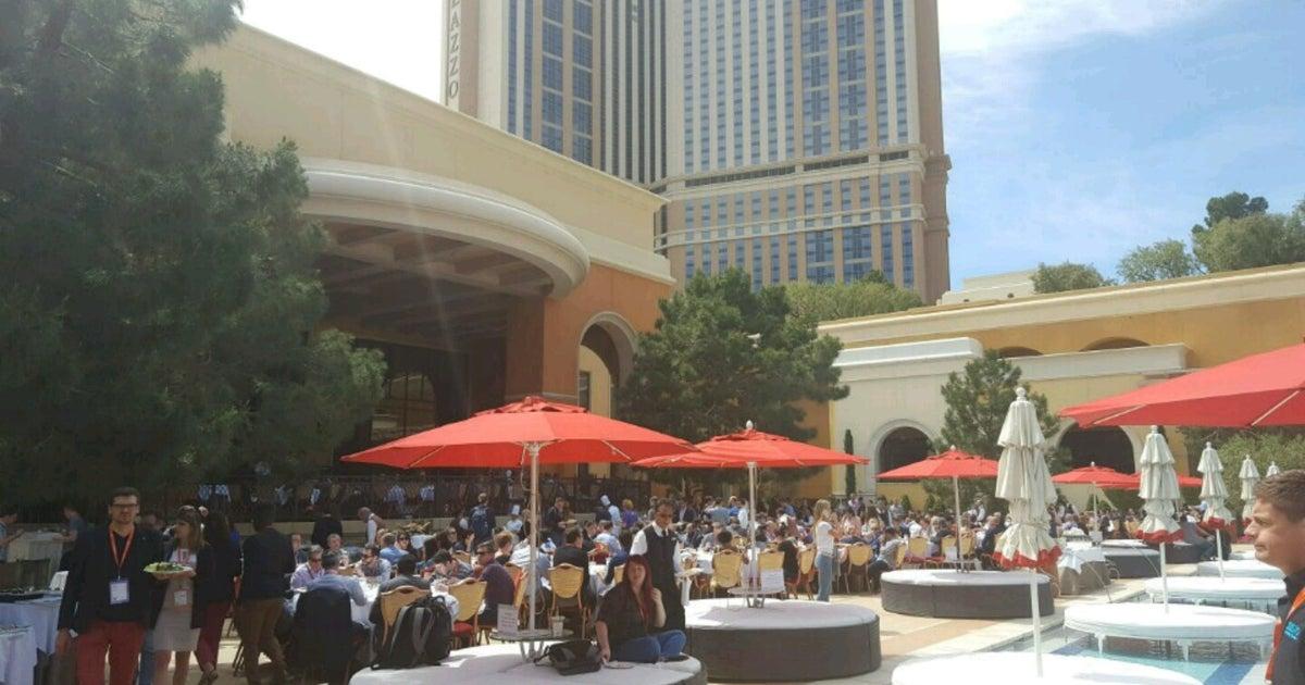 elatlboy: #MagentoImagine continues. #techie (at @WynnLasVegas in Las Vegas, NV) https://t.co/p0hZ6NoueK https://t.co/TMoBeS7AOw