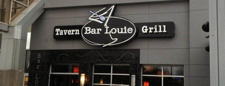 Bar Louie is one of The 7 Best Places for An Apple Cider in Chattanooga.