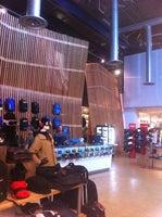 Burton Snowboards Flagship Store
