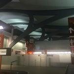 Limpio... con transfer... moderno... hay Über... y los baños impecables. Excelente aeropuerto!
