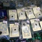 Продаются кусочки метеорита по 800 руб)) печать ИП Копылов внушает доверие, конечно, что кусочки настоящие.