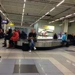 Люди полтора часа ждут свой багаж :(