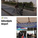 Internasional airport rasa lokal. Sebetulnya lapangan terbang militer. Dipakai utk penerbangan komersial, landas pacunya pendek, overloaded,  lokasi dekat kota, akses masuk sering macet#TravelingJogja