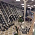 самый красивый и удобный аэропорт из всех, где я была.