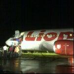 Jangan terbang Jum'at pasti delay hahahahahahaha ....