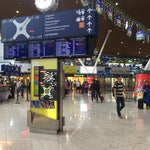 Clean, easy to navigate, plenty of food and shopping options, free wifi. Overall a great airport.