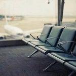 """الحياة تشبه صاﻻت المطار الضخمة..قد نجتمع بها ولكن بالنهاية لكل منا """" رحلته الخاصة """""""