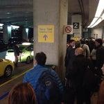 The new international taxi loading area sucks. (Jan '14)