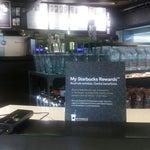 El WiFi GRU monopoliza Internet en el aeropuerto, recomiendo pasar por Starbucks, posiblemente el único local con servicio WiFi propio y gratuito.