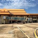 Unique airport architecture resemble traditional Terengganu house. Malangnya dlm tu kosong je and tempat makan sikit sangat makanya mereputlah kat situ kalau flight delay ke apa 😂