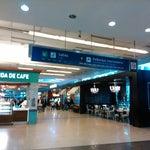 Aeroporto limpinho e organizado.  E o Wi-Fi daqui funciona muito bem.