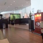 Me encanta el aeropuerto de Quito con la ruta viva llegar a Quito es más rápido ..,la sala VIP nacional muy buena