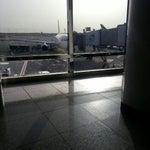 بانتظار دخول الطائرة .. في امان الله