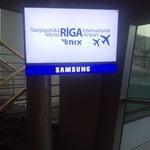 Хорошо, уютно, только из-за идиотской системы оповещения аэропорта мы зависли на лишний день в Риге. Нельзя в 21 веке в Европе так работать! На фотографии информационное табло вылета, если что!
