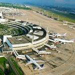 Desde 12 agosto 2014 operado pela concessionária Rio Galeão, um consórcio formado pelo investidor brasileiro Odebrecht e Changi Airport Group. O maior site de aeroporto em termos de tamanho no Brasil