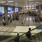 مطار صغير.. يناسب حجم البلد .. نظيف ومرتب و الموظفين خدومين و إنترنت مجاني 👍🏼