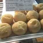 Ê Brasil!!! Um pão de queijo R$ 8,00 👏👏👏 feito com polvilho do céu