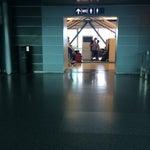 Прекрасный аэропорт для людей. Простой, нешумный и объявления на языке той страны, куда летит самолет. Японцы и китайцы в восторге