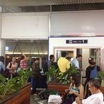 La logística para entrar a las salas de espera, es súper súper lento en proceso, y eso que es un Aereopuerto internacional.