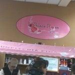 Mejor viajar de día, y mientras esperas puedes tomar un buen jugo en La Palais Rose
