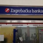 Деньги в аэропорту лучше менять в Zagrebska Banka, курс как в городе.