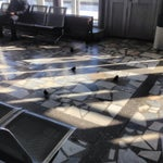 В здании аэропорта просто полчища воробьев. Раза в 4 больше, чем самолетов на полосе. )))) Нужно быть аккуратным и внимательным, чтоб не попасть под обстрел. )))