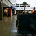 Disfrutar de Internet gratis y de gran calidad es un plus que no todos los aeropuertos tienen. Aeropuerto moderno y cómodo