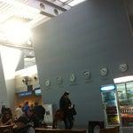 Небольшой такой аэропорт, 3 Егермастера и бутылка воды обошлись 10,5 евро))