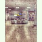 Маленький миленький аэропорт, цены в кафе как и везде в тридорого но хоть вай фай есть)
