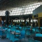 Bonita estrutura e excelente praça de alimentação.
