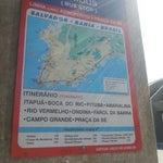 Aqui é muito longe do centro. Tem várias linhas de ônibus e levam direto pro Pelourinho!!!!!