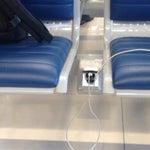 Порадовало наличие бесплатного WIFI и замечательные розетки между сидениями. Даже очень неплохой аэропорт  .