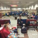 Вынужденно провели сутки в аэропорту Лахора, персонал всячески оказывал нам помощь, приносил дополнительные сидения, зарядки для телефонов, воду. С вай-фаем правда здесь проблемно, еле-еле.
