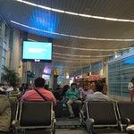 Como siempre excelente aeropuerto con asistencia y wifi ilimitado...sin dejar de mencionar a Juan Valdez