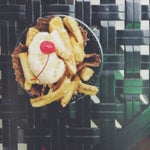 If you're in terminal C go to copeland's kitchen and get a banana foster sundae. It's remarkable!!