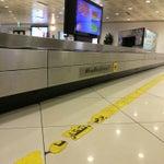 شدة الفوضى بالمطار، كثرة التدخين و تراكم أحزمة الحقائب و طول إنتظار الحقائب والجوازات شيء ليس كما يرام، واتساخ استراحات رجال الأعمال. Very bad airport, delays in passport control and bags & dirty