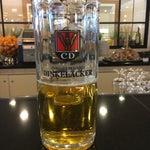 Für den halben Liter Dinkelacker habe ich heute 5,80 € bezahlt. Somit mit Sicherheit das teuerste Bierchen auf einem deutschen Flughafen.