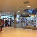 Cierto buen aeropuerto el de Valencia, pequeñito pero acogedor y cercano.