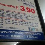 Аэропорт хороший, все понятно и просто! До центра - на автобусе за 5 евро, в авто есть WiFi (бесплатно). На него можно сесть выходя из аэропорта направо 250 м. В аэропорту WiFi, но очень медленный!