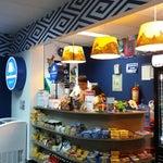 Altomayo tiene el control de la cafetería en el counter y de un puesto con bebidas y artesanías de Altomayo. No hay artesanías de Tumbes. Es necesario crear una.