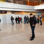 Просто аэропорт. Паркомат без сдачи, готовьте полтинники, 30 мир.=50 руб. :-)