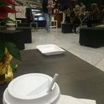 Vayan al café de los exempleados de mexicana, son gente cálida y con ganas de salr adelante, mucho mas barato y mejor que todos los demas🙂
