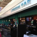 """Hang out at the bar on the 2nd floor, """"Atrium Bar"""" before saying """"A Hui Hou"""" to your loved ones! お別れ前にバーで一杯。軽食もあります!"""