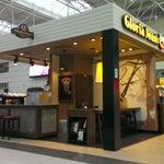 На первом этаже до паспортного контроля есть классная кофейня GloriaJean's. Пароль от Wi-Fi приятно дополняет каждый напиток ))