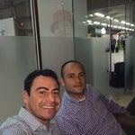 Sala vip Avianca . Relajándome con mi compañero Jovany de regreso a Bogotá . Gran día con un gran cliente