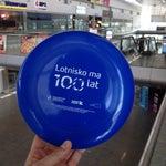 W informacji lotniskowej na przylotach można odebrać frisbee za check-in :)